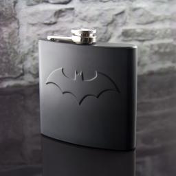 Piersiówka Batman