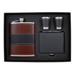 Zestaw piersióka, papierośnica, 2 kieliszki zapakowane w opakowanie prezentowe