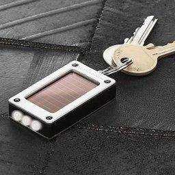 Latarka zasilana baterią słoneczną SolarLite True Utility