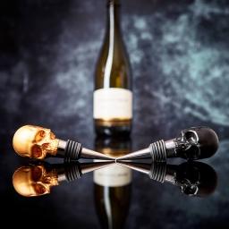 Zatyczka do butelki czaszka czarna Iron & Glory  by Luckies