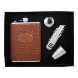 Elegancki zestaw prezentowy z piersiówką w kratkę